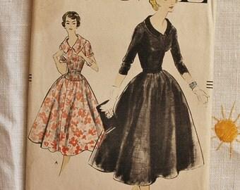 Vintage 1950s Vogue dress pattern, Vogue 9260, 1957, size bust 36 inches
