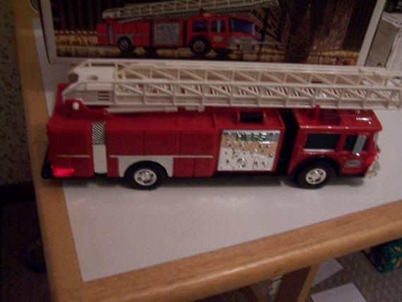 hess 1986 fire truck bank toy. Black Bedroom Furniture Sets. Home Design Ideas