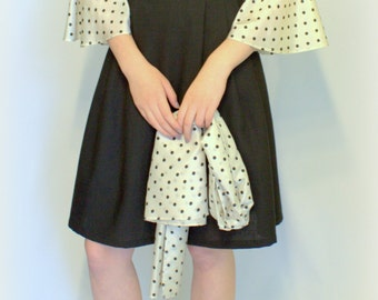 Dress in 50s style