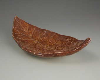 Red Hand-carved Leaf Bowl