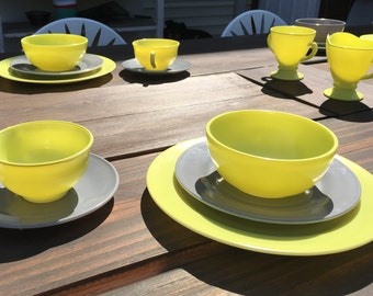 Midcentury Hazel Atlas ovide platonite 38 piece dinnerware set in bright yellow and grey