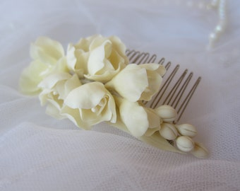 Freesia ivory comb- bridal flower comb, pearl, wedding flower comb, flower comb, bridal comb, flower hair accessory, cold porcelain, clay