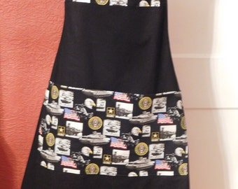 Mens US ARMY APRON on black with drink pocket