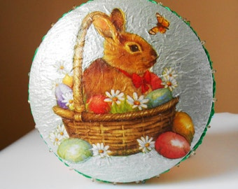 Box round jewelry, secret to happiness... The Easter Bunny