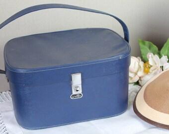 Vintage 'Crown' Vanity Case/Luggage/Cabin Luggage/ Vanity Bag/Train Luggage/REDUCED (4J)