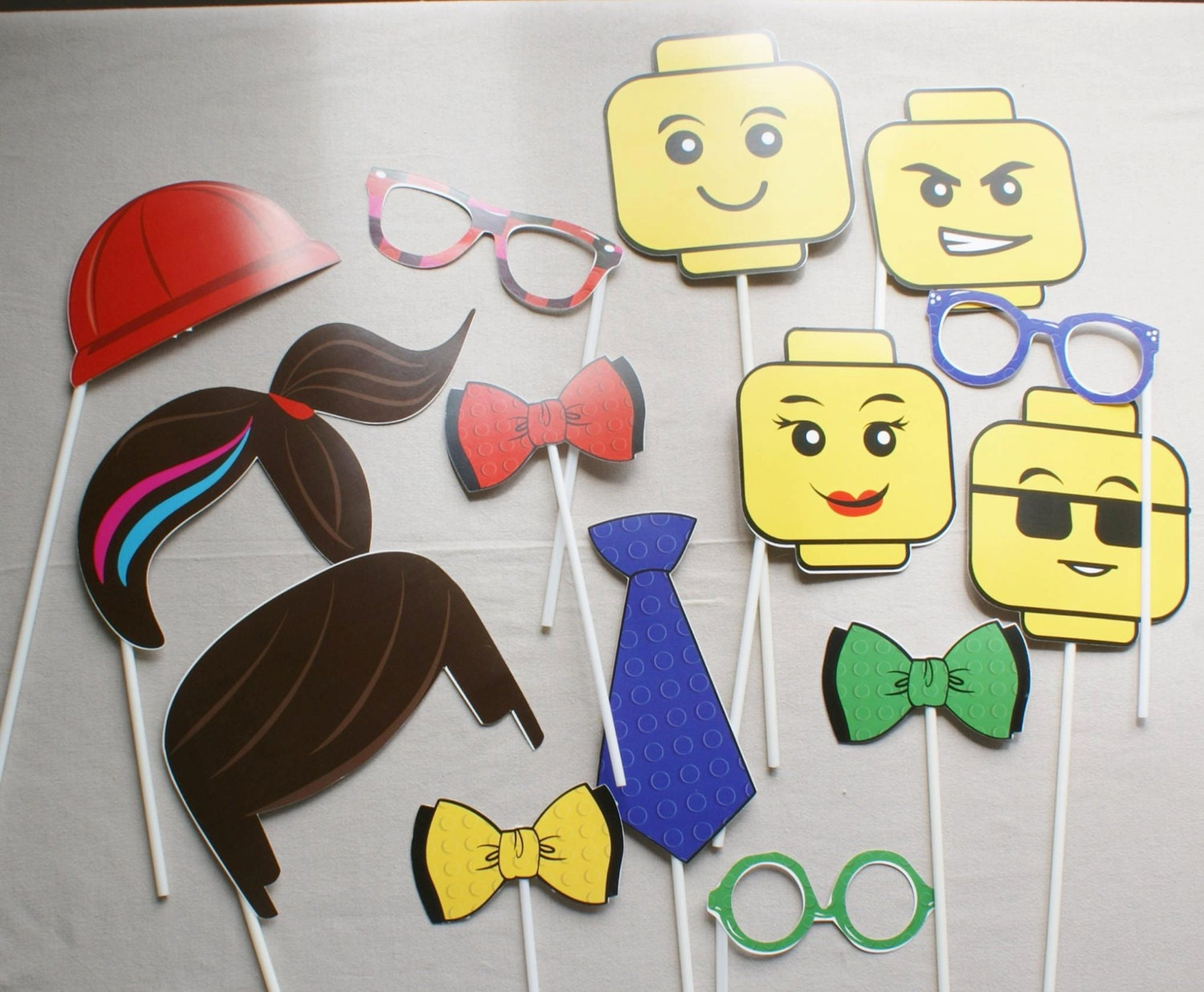 lego photobooth lego party lego birthday party lego party. Black Bedroom Furniture Sets. Home Design Ideas