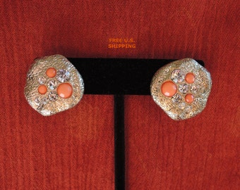 Gold Tone Rhinestone Peach Pierced Earrings