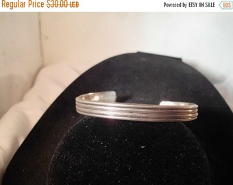VALENTINES SALE stunning vintage mexican sterling silver ribbed cuff bracelet