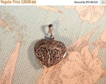 VALENTINES SALE stunning vintage sterling silver filigree pendant