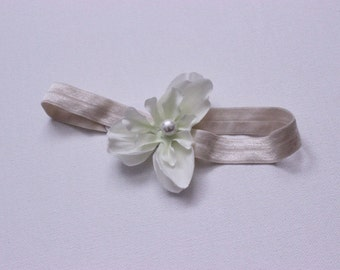 Baby headband, flower headband, white flower baby headband, white flower headband, newborn headband, baby accessories, baby headpiece