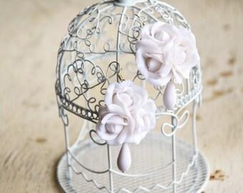White rose earrings, rose jewelry, white earrings, rose flower jewelry, rose flower earrings, wedding bridal earrings, flower jewelry