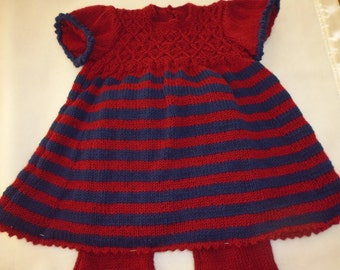 Hand knitted baby tunic and leggings set in merino wool. 3-6 months