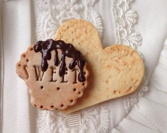 Heart Cookie Brooch, Cute Sweets Brooch, Kawaii Brooch, Decoden Brooch- Melty Chocolate Sweet Heart Cookie Brooch