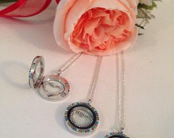 Glass locket necklace
