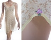 As new unworn adorable sheer pretty all over sexy lemon lace detail 1960's vintage full slip petticoat underskirt - S137