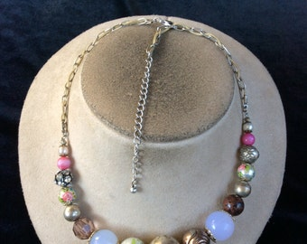 Vintage Colorful Floral Beaded Necklace