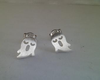 "925Silver.  Tiny stud earrings ""Spirit""."