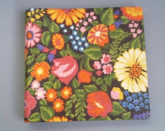Flower Power Photoalbum with Brodery Cover '70