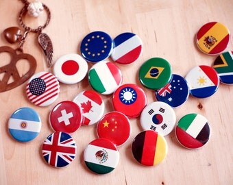 National Flag Button (Pin/Magnet)