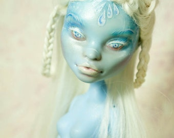 Snow Queen - Monster high repaint, Abbey Bominable repaint ooak doll