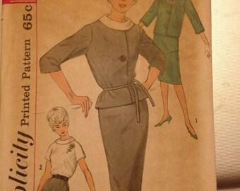 Vintage 60's Simplicity 4111 Suit Pattern-Size 16 (36-28-38)