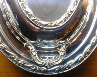 "Rogers & Bro Exquisite 4612 Double Vegetable, International Silver, 12""x 9"" Oval Serving Dish, Silverplate, Small Imperfection, Circa 1940's"