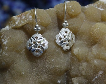 Snowflake hearted - Earrings-