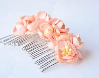 Peach Flowers Hair Comb, Peach Wedding Hair Comb, Floral Bridal hair comb, Bridesmaid Hair Comb, Flower Girl Comb