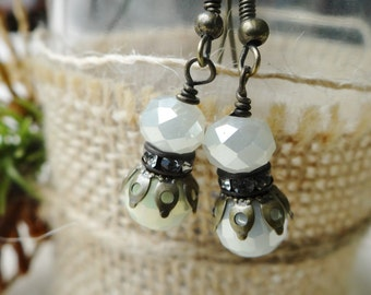 Vintage Style French Pale Yellow Milky Opal Crystal Bead Earrings - ERU151