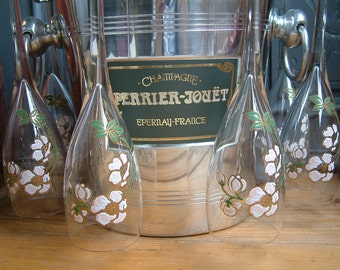 Vintage french Perrier Jouet champagne set. French champagne bucket. Set of 6 Perrier Jouet champagne glasses with bucket glass rack.