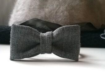 Grey bow bracelet
