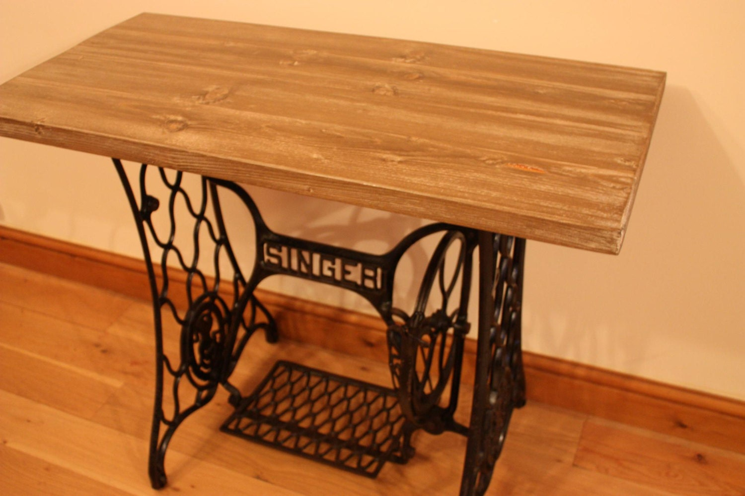 Singer sewing machine treadle table - Singer sewing machine table ...