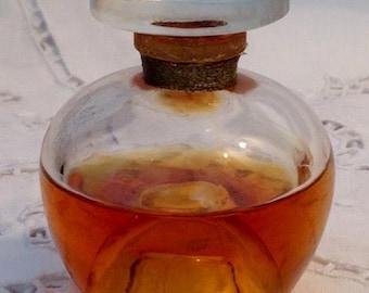 Révillon Frères, Carnet de Bal, 30 ml. or 1 oz. Flacon, Pure Parfum Extrait, 1935, Paris, France ..