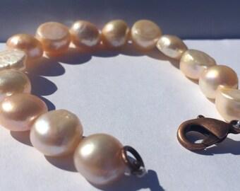 Petite peach freshwater pearl bracelet