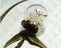 Dandelion seeds necklace,make a wish gift with 30mm blown glass ball terrarium,bronzed chain with 2 angel wing charm