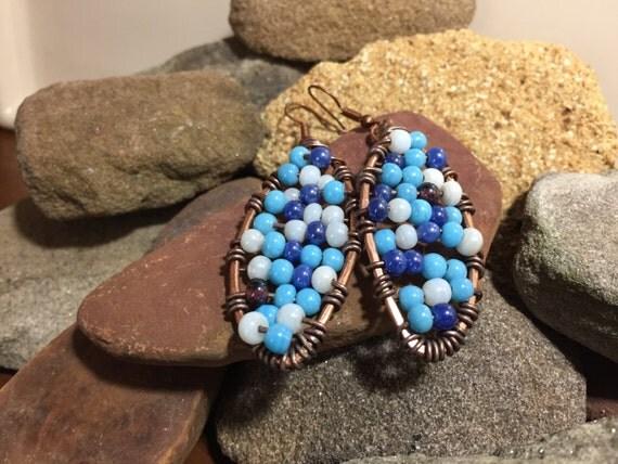Beaded copper wire earrings, copper earrings, blue beaded earrings, blue bohemian earrings, ethic earrings, hammered copper earrings
