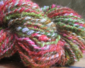 "Wool spun at the spinning wheel ""frizotti"""