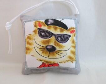 Cool Cat pin cushion
