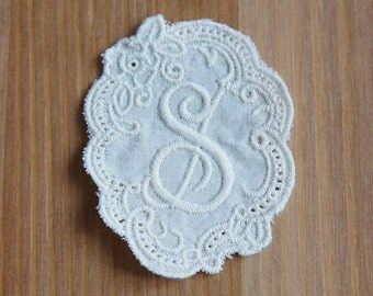 1pc/ 5pcs: Retro Initial Cotton Lace Applique - S - 60mm x 48mm Ivory Embroidery Letter Scallop Oval Sewing Craft DIY