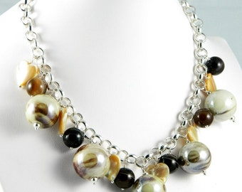 Necklace choker beige ceramic pearls