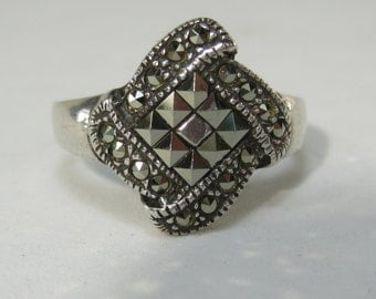 Vintage Sterling Silver Pyramid Rhinestones Ring Size 8