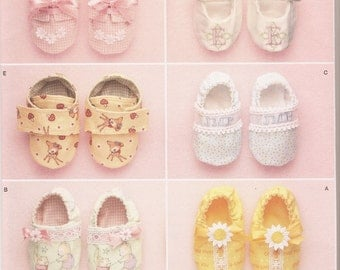 Simplicity sewing pattern 2471 Elaine Heigl Designs baby shoes OOP