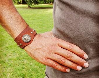 Leather Bracelet Versus