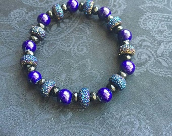 Blue shimmery beaded stretch bracelet