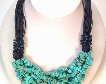 Necklace of turquoise and onyx