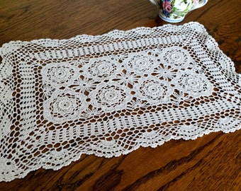 Oblong Ivory Lace Doily. Vintage Crocheted Lace Placemat. Large Rectangular Lace Doily. RBT1116
