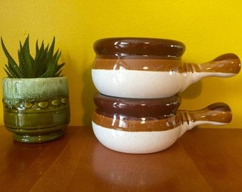 Vintage Ramekin with Handle / Retro Pottery French Onion Soup Chili Bowls with Handles / Oven Proof Bowl / Set of 2