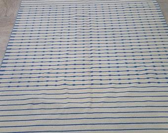 Blue and white kilim rug, modern white and Blue dhurrie carpet, soft wool kilim rug. Size:5.7 x 7.7 feet