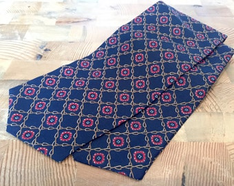 Red & Blue Cravat- Handmade Ascot, Gifts For Him, Mens Gifts, Wedding Cravat, Unique Cravat Minimalist Cravat Noeud Papillon Bespoke Cravat