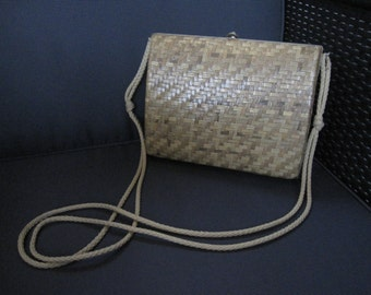 Natural Wicker clutch varnished vintage 60's